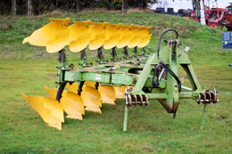 DOWDESWELL DP160 7 furrow (6+1) on-land plough