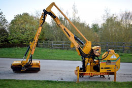 MCCONNEL PA6000 hedgecutter