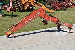 KUHN Levsak Bag Hoist to work with fertiliser spreader