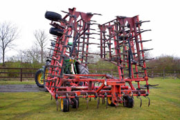 VADERSTAD NZG 12.5m springtine cultivator