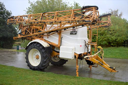 KNIGHT EUA 32m 3800 litre sprayer